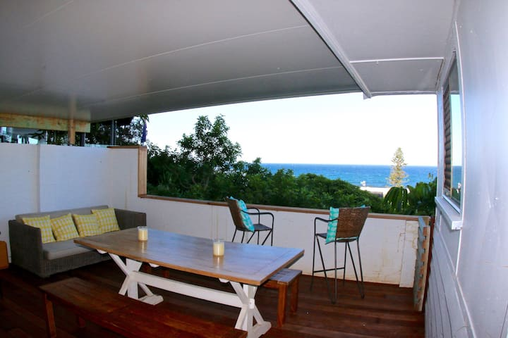 Beach Cabin - 100 metres to the beach - Sleeps 8 - Tugun - Blockhütte