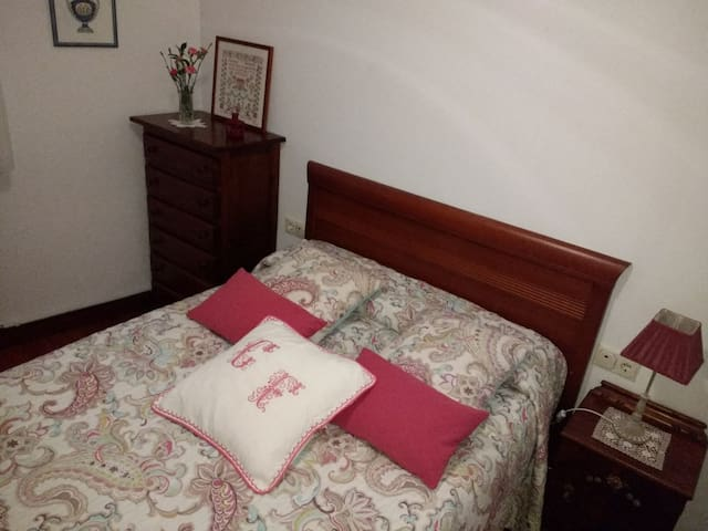 Lovely room for 2 near San Sebastian center