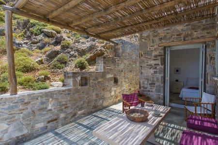 ASPES VILLAS by Psili Ammos Beach.3 amazing views - Serifos