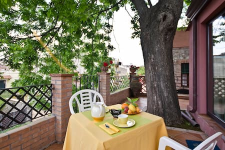 Room with terrace-50m from the sea - Giardini Naxos - Bed & Breakfast