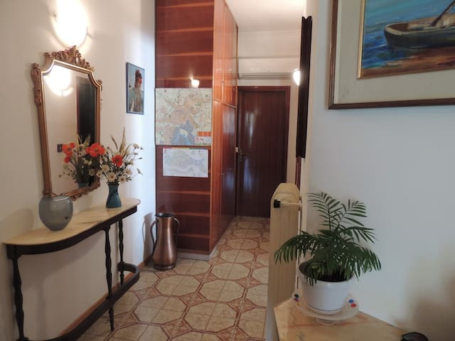 CASA VACANZE NOEMI  NEAR  VENICE ! - Venecia - Apartamento