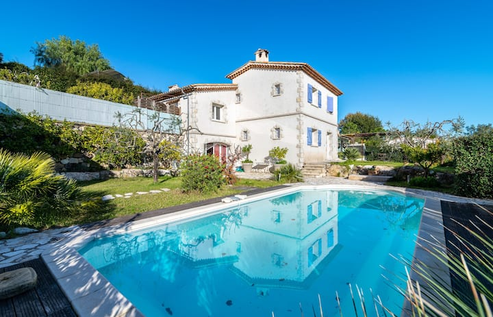 Villa Marine / Charming villa with garden in Biot