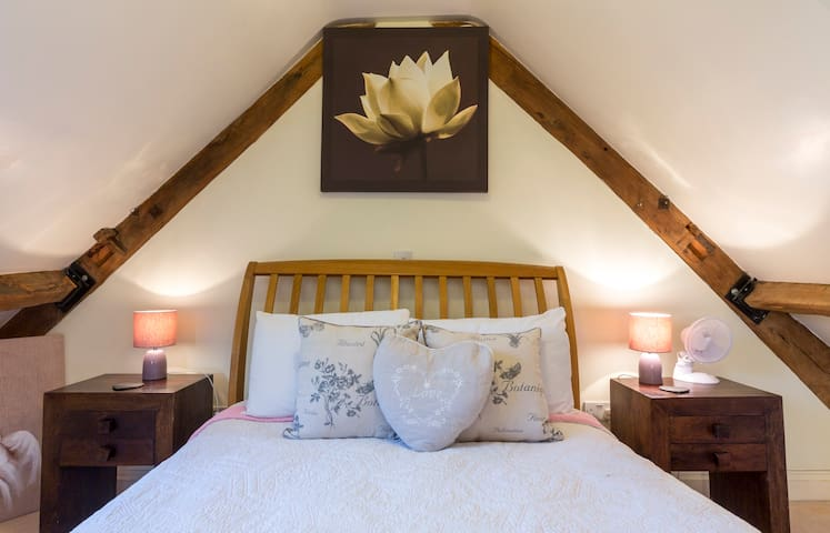 Bed Breakfast Watermill Nr Bath/Frome  - Sleeps 2 - Laverton