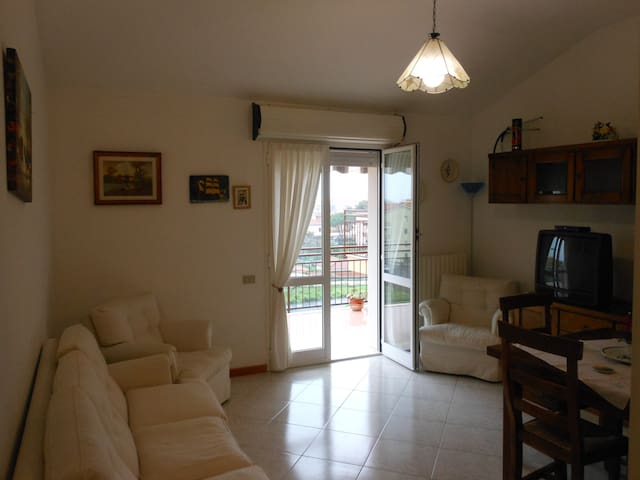 Ideale ultimo piano comodissima - Diano Marina - Apartment