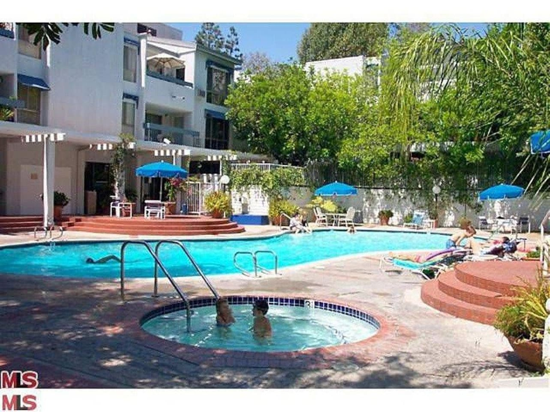Fabulous pool and jacuzzi