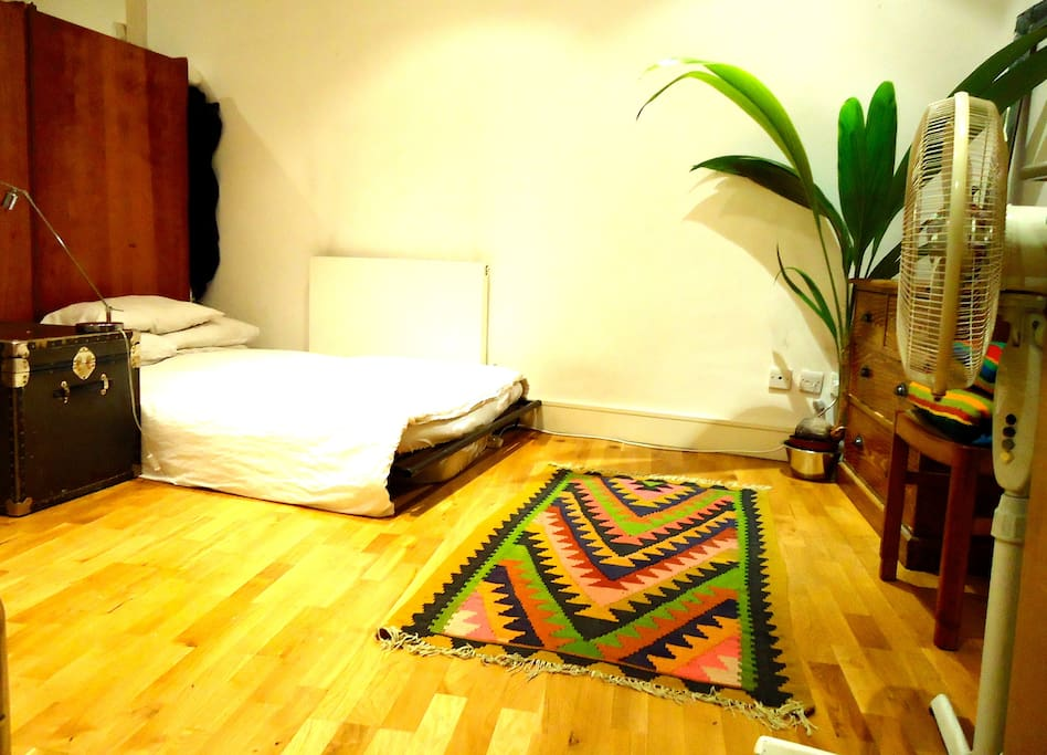 Large double bedroom with plenty of space - double bed.
