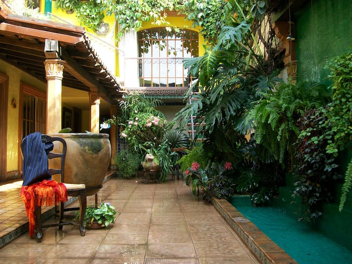 Your Host Inn Cuernavaca B&B - Rufino Tamayo Suite