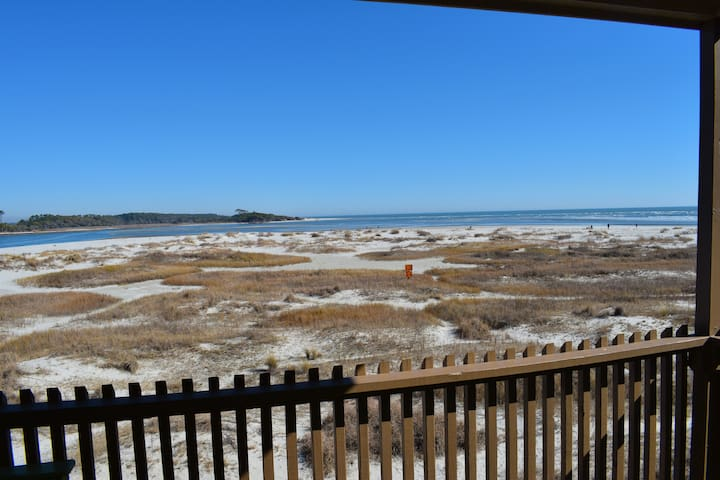 Incredible 2 Bed & 2 Bath Oceanfront Condo