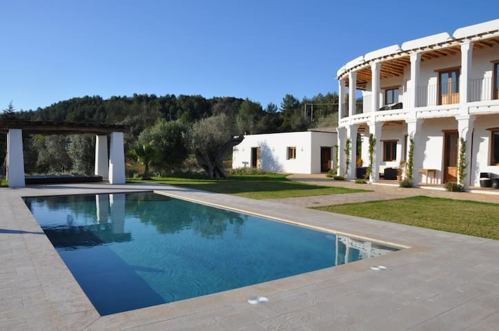 Charming countryside house in Ibiza