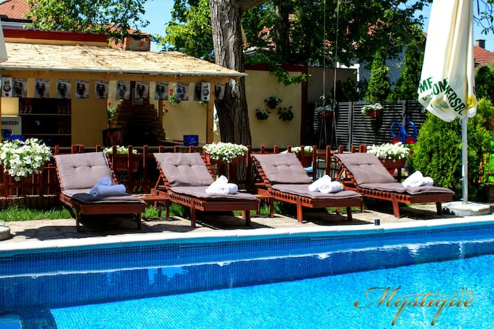Double room in Villa Mystique