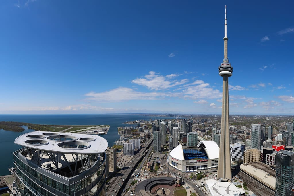 Actual Photo Taken From Living Room! Cn Tower, Rogers Centre &  Lake!