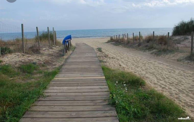 1 linea playa , 3 dorm Islantilla,  golf a  5 mnt