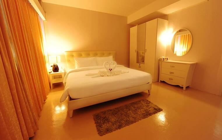 ห้องสะอาดใจกลางเมือง ไปมาสดวก เจ้าของบริการเอง  - Trang - Bed & Breakfast