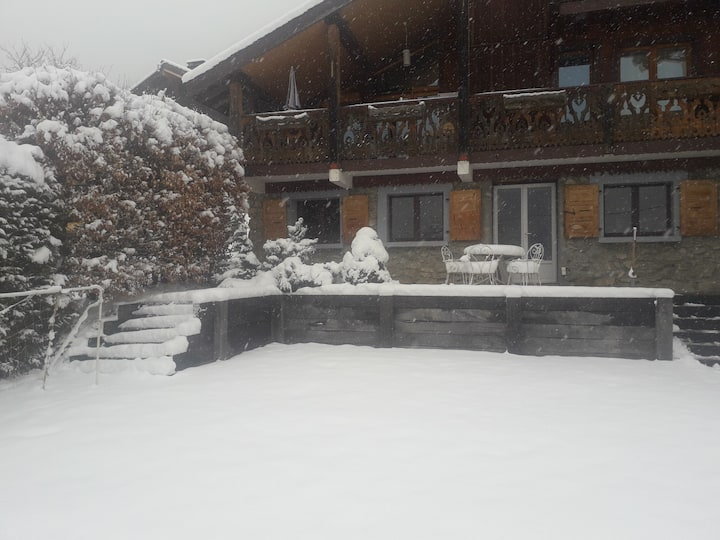 2 bed apartment, 5 mins from Morzine