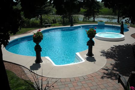 Buckhouse Bed & Breakfast - Smith Ennismore Lakefield
