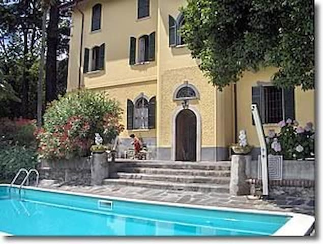 Charming Villa with Swimming Pool - Lesa - Apartment