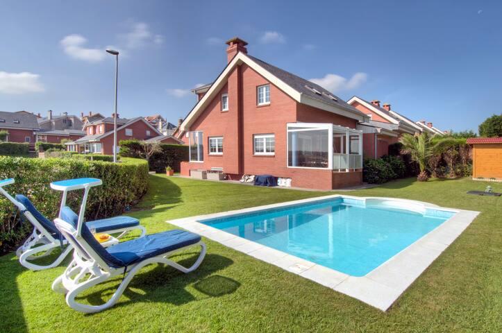 Alquiler Chalet Playa Cerrias - Liencres - Casa