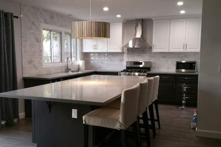 Luxurious house in Buena Park near Fullerton! - Buena Park