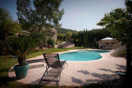 House In Provence Bed and Breakfast - Le Val - Bed & Breakfast