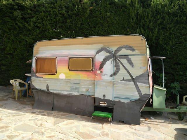 Caravana en propiedad privada