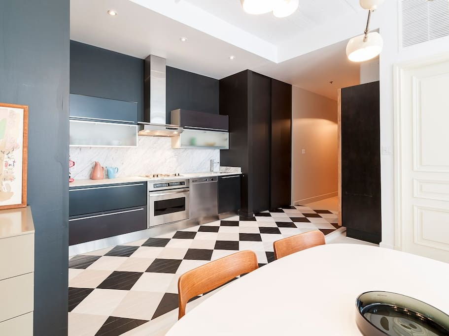 Cool industrial loft lofts for rent in montreal quebec for Don meuble montreal