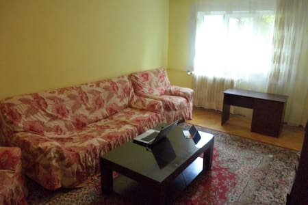 Private Living Room in 3 room apartment Bucharest