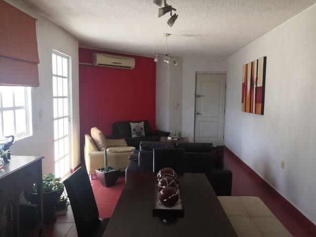 Habitación en departamento con alberca