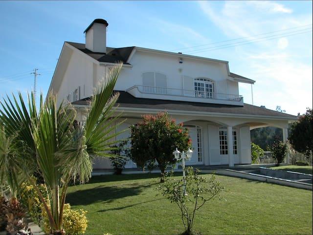 Superbe Villa / Piscine proche mer - Valadares - Villa