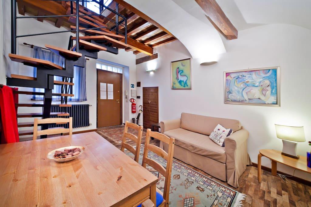 wohnung in der piazza navona wohnungen zur miete in rom latium italien. Black Bedroom Furniture Sets. Home Design Ideas