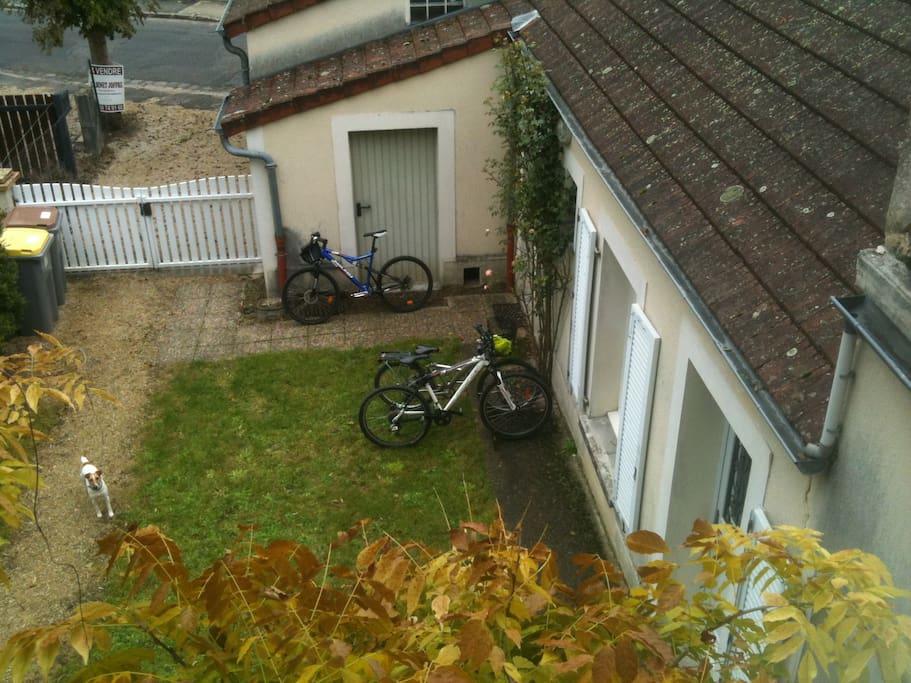 Entrée parking vélo.