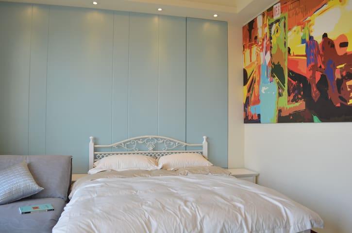 Homestay & Longstay-藍天月台房Blue - 永康區 - House