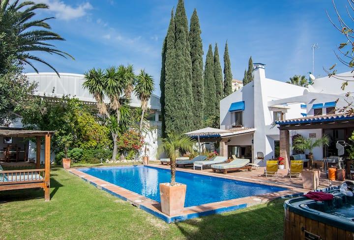Private villa beachside next to Puerto Banus