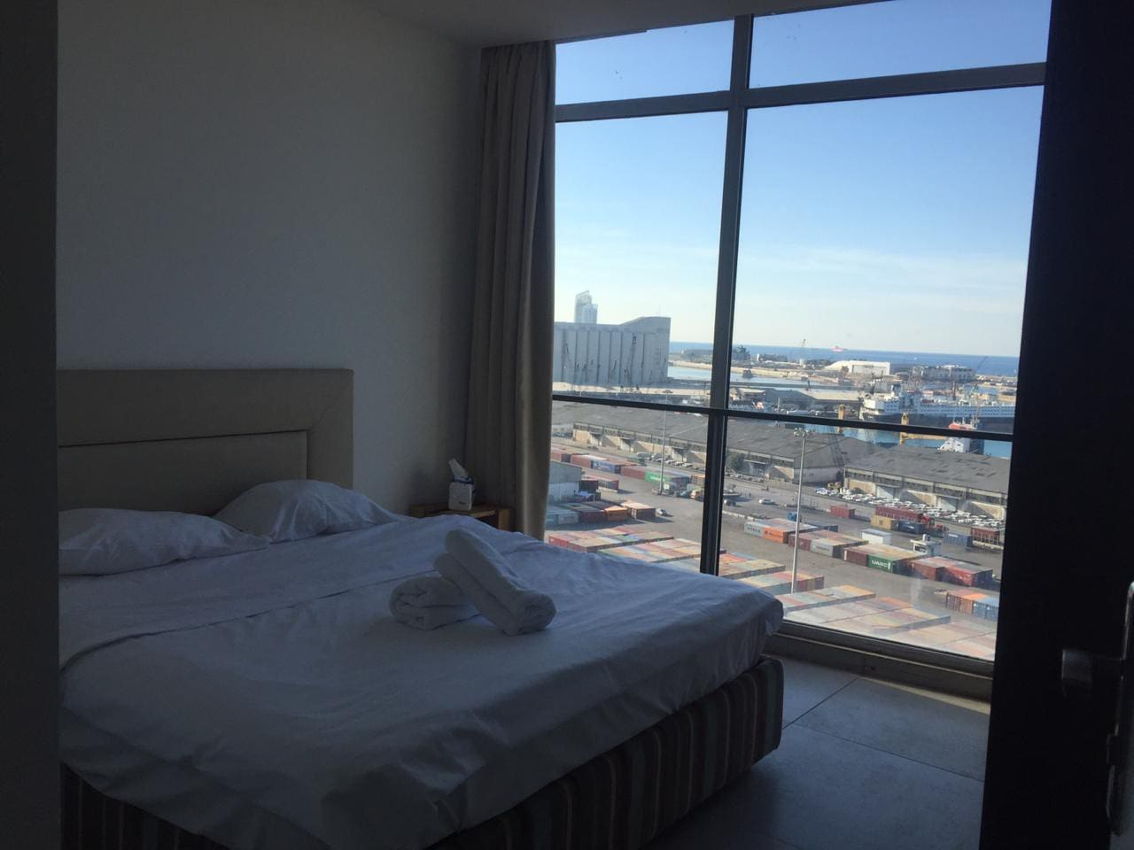 King size bed with port view