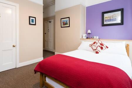 Jessie Mac's, Lyon Room, Birnam