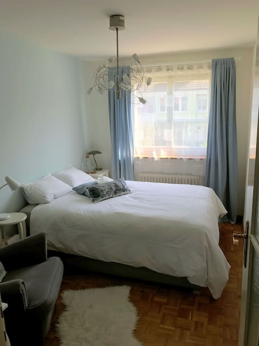 cosy and lovely furnished room