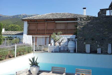 Villa Domatia,à 15 mn de la mer  - Domatia