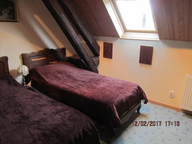 (3)Chambre 2 pers. chez l habitant (lits indivi.) - Saint-Georges-de-Poisieux - Hus