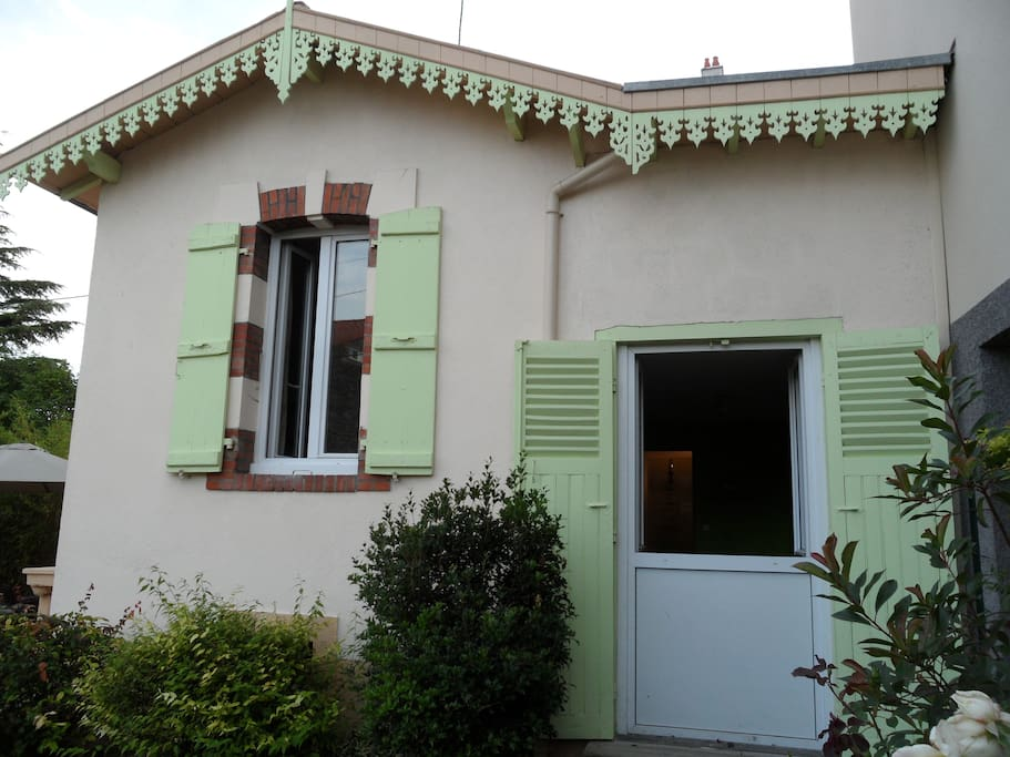 Une charmante petite maison maisons louer clermont - Chambre universitaire clermont ferrand ...
