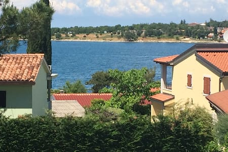 Dajla, beside the sea! 1 min walk! - Novigrad - Wohnung