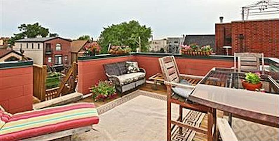 Private Rooftop deck to relax and enjoy the night/day.  Even has surround sound speakers to enjoy your favorite tunes.