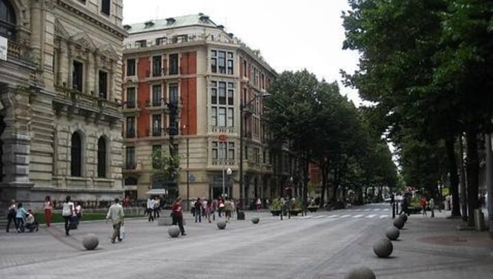 Habitación privada con baño en el centro de Bilbao