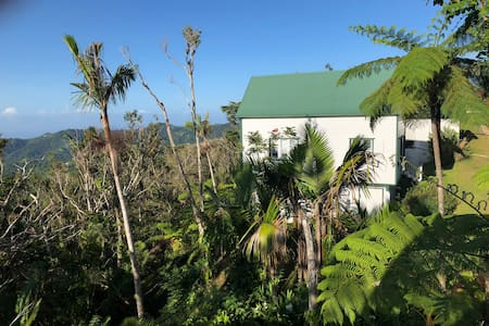 "Hacienda Pomarrosa Villa ""Gesha"""