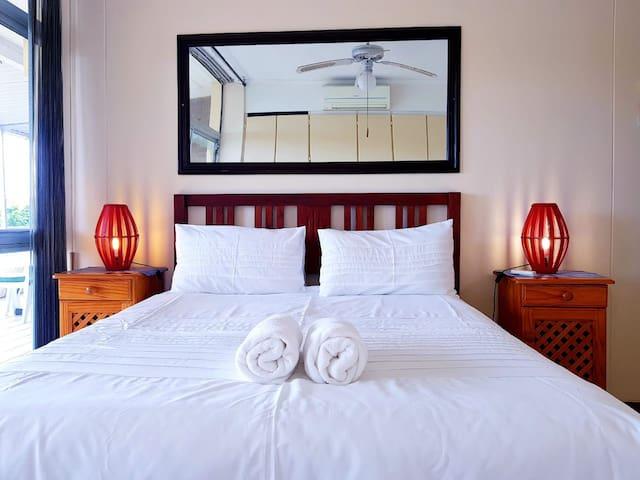 Sea Breeze - Seezicht Holiday Apartment