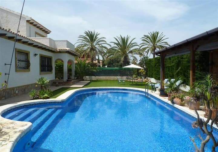 Large Villa 'Coral' Cabo Roig