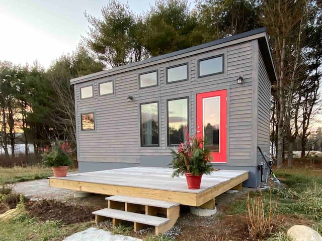 Crow's Nest Tiny House at Old Crow Ranch