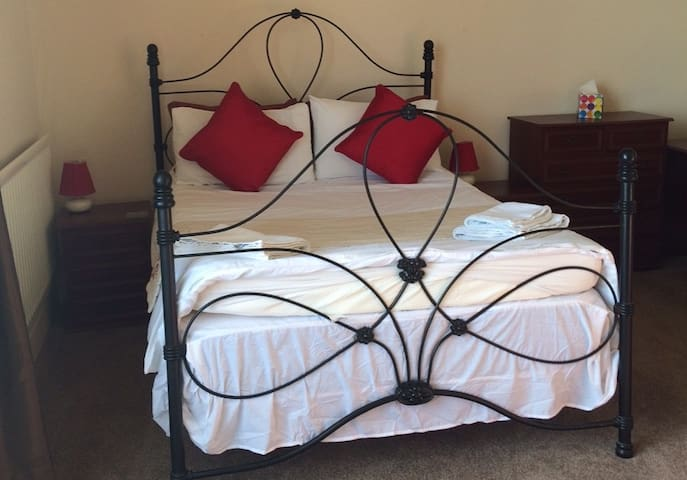 Horizon Guest House - Room 7 - Weymouth - Bed & Breakfast