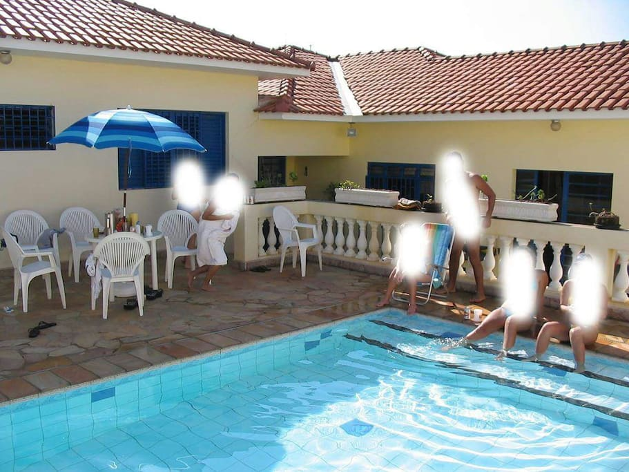 Pool (Piscina)