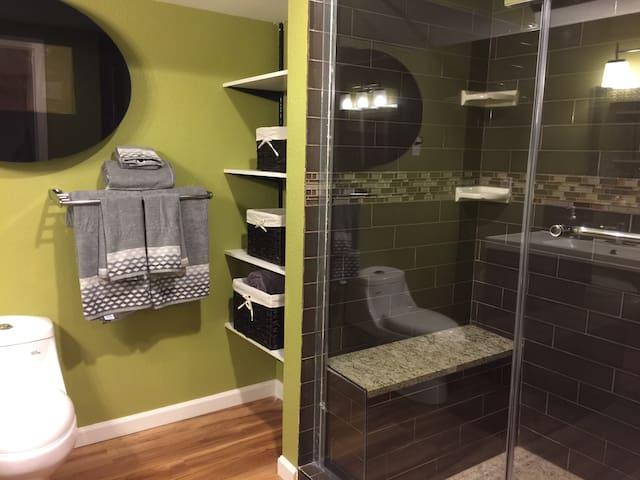European style 2 beds1bath walkout basement