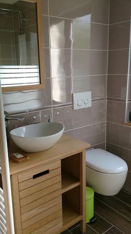 salle d'eau-WC privatifs