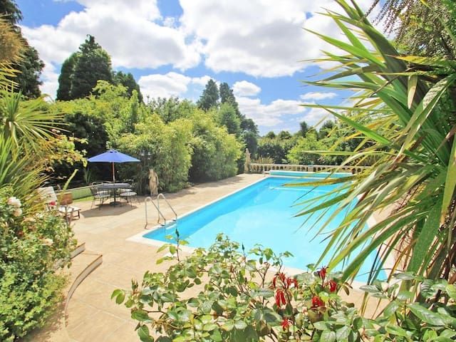 SMUGGLERS COTTAGE, family friendly, with pool in Looe, Ref 959379